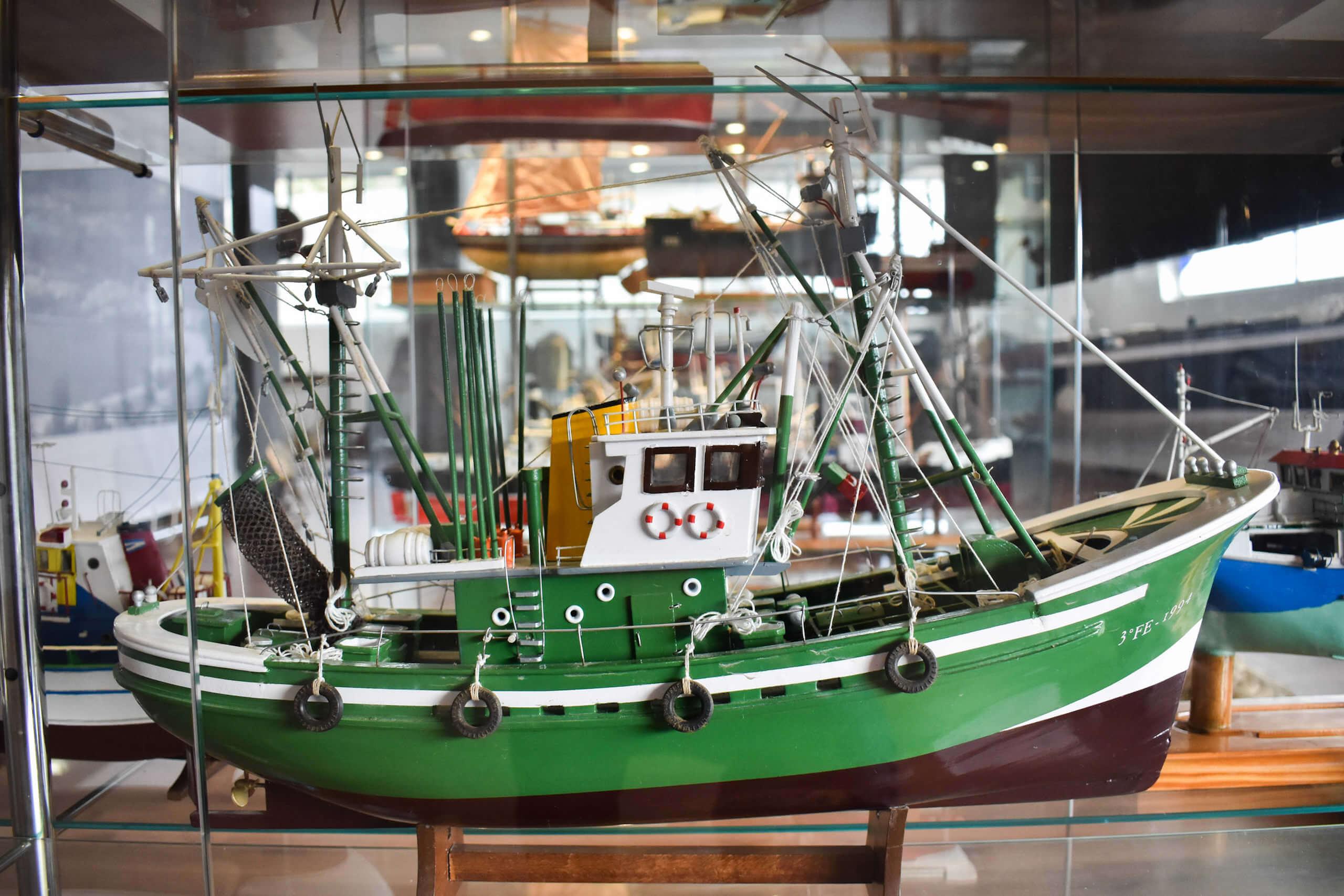 Maqueta de barco Cedeires que usaba las artes de pesca - aparejos de pesca